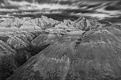 Badlands pinnacles bw 50110