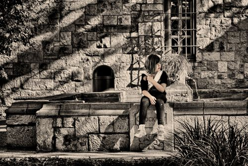 20111229_Alamo Girl bw paint 0519_HDR