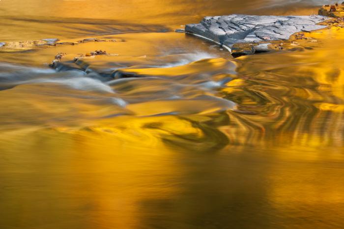 20121003 Presque Isle River Glow 4075