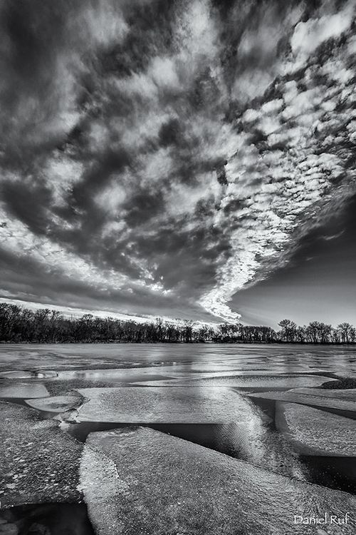 20151207-Pieces-bw_5288-HDR
